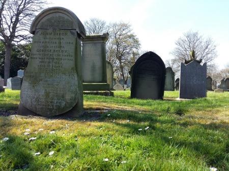 grave-1634993_1920